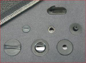 Виды фиксаторов для установки на автоковрики