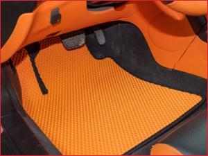 Коврики в машину оранжевого цвета