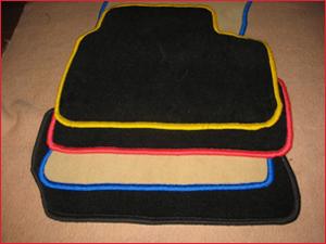 Варианты автомобильных ковриков, цвета и размеры