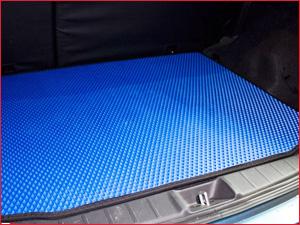 Синий автоковрик ЕВА в багажник автомо